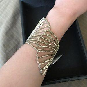 Guess- cuff bracelet